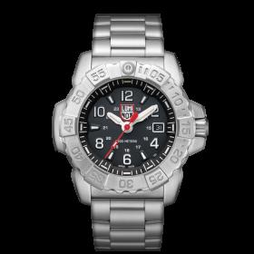 Мъжки часовник Luminox Navy Seal Steel - XS.3252